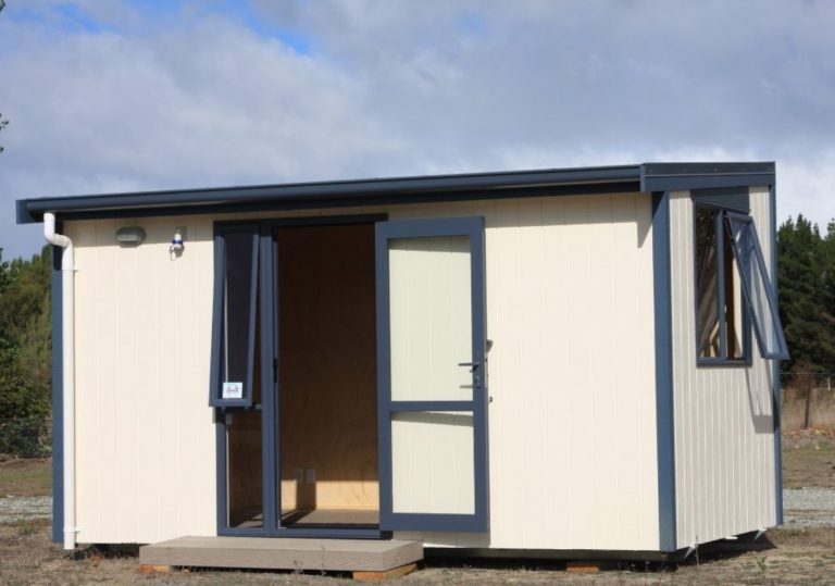 large rental cabin for hire